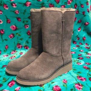 Koolaburra by UGG Classic Slim Short Boots 🦋